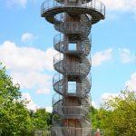 Der Turm war neu im Park