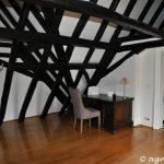 Treppenhaus mit Schreibtisch